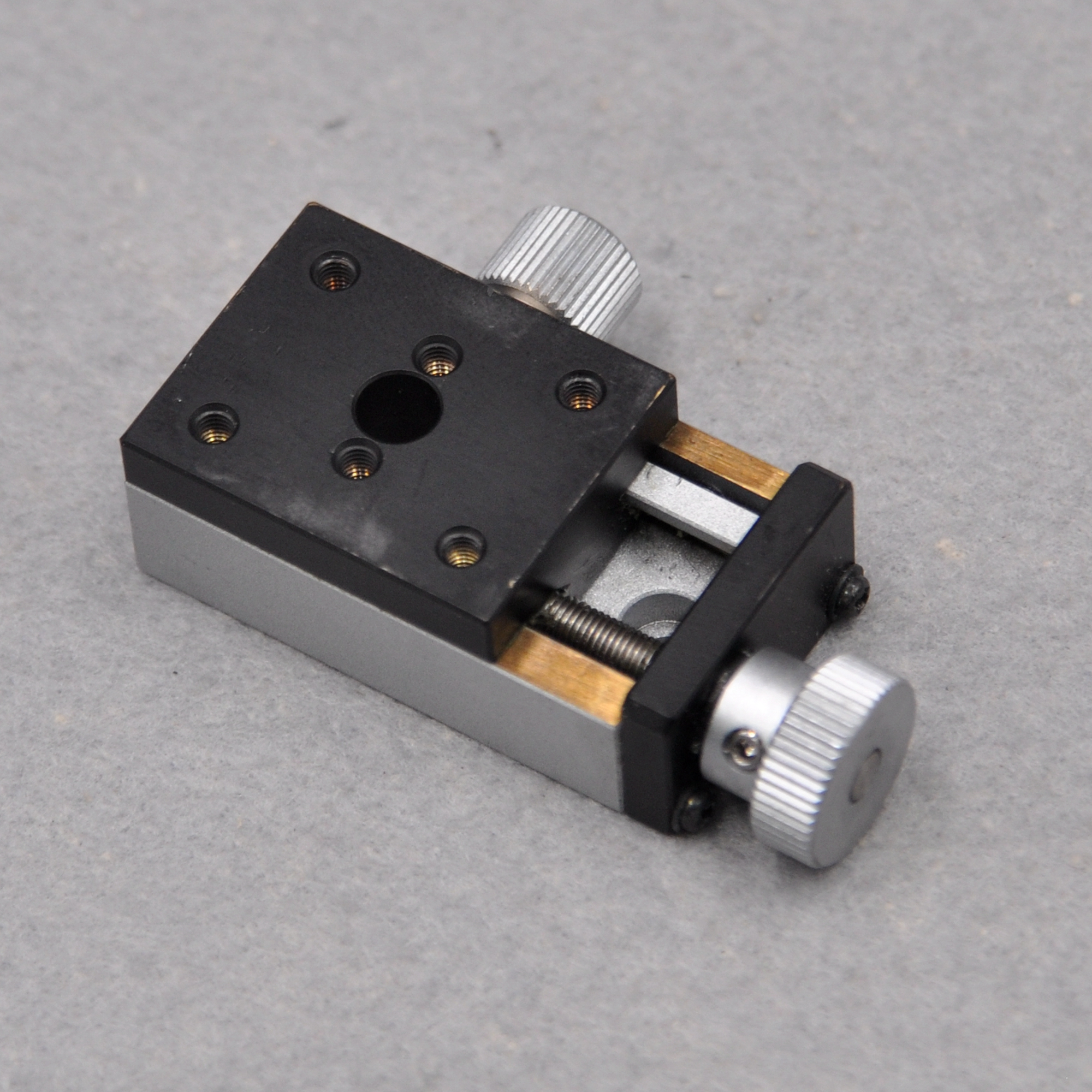 Sigma TAS-24302 Y-axis Optical Manual High Precision Screw Dovetail Groove Displacement Fine Adjustment Sliding Table Copper