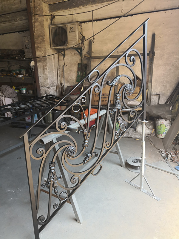 Hand Forged  Wrought Iron Balcony Iron Railings Iron Balustrades For House Design For Sale