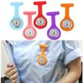 Модные карманные часы, силиконовые часы для медсестер, брошь, часы-туника на цепочке с бесплатной батареей, часы унисекс, часы, женские часы