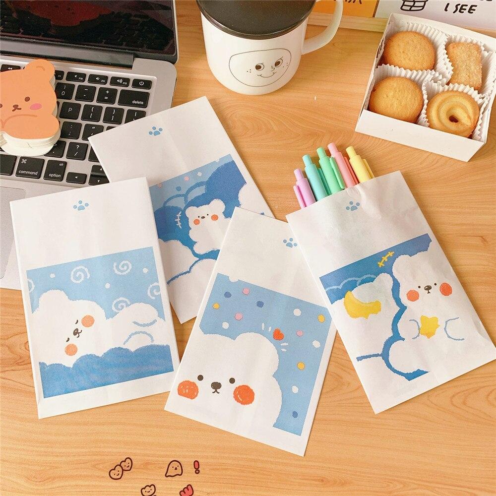4pcs  Simple Ins Style Paper Cute Cloud Bear Storage Bag DIY Mini Paper Bag Swinging Decoration Props