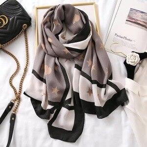 Image 3 - Luxus marke schal leopard frauen Weiche Pashminas schal baumwolle seide schals Sjaal moslemisches hijab, tier druck leopardo stola bandana
