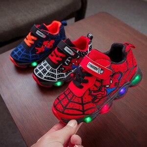 2020 светодиодный Человек-паук, детская повседневная обувь, милые модные детские кроссовки, классная светящаяся обувь для маленьких девочек ...