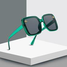 2020 plac mała pszczółka mody duże pudełko Retro marka projektant luksusowe okulary przeciwsłoneczne w stylu Vintage odcienie óculos Uv400 tanie tanio ALIKIAI CN (pochodzenie) WOMEN Z tworzywa sztucznego SQUARE Adult NONE 48mm 8081 57mm