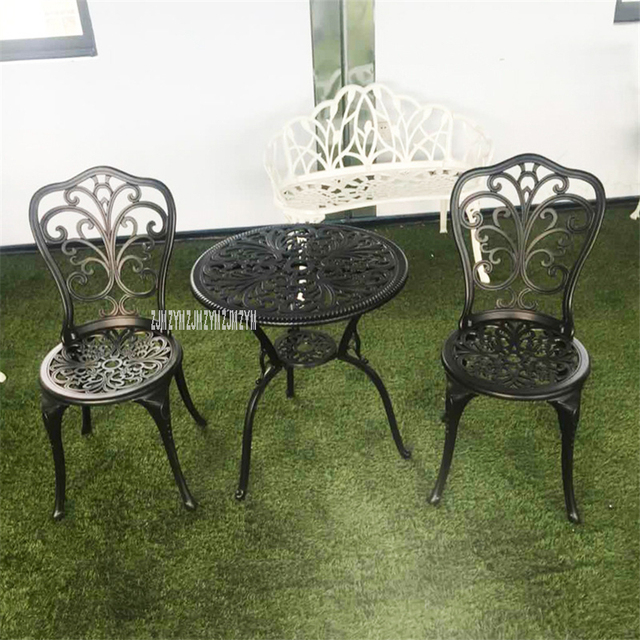 American Garden Style Three-Piece Tables And Chairs 2