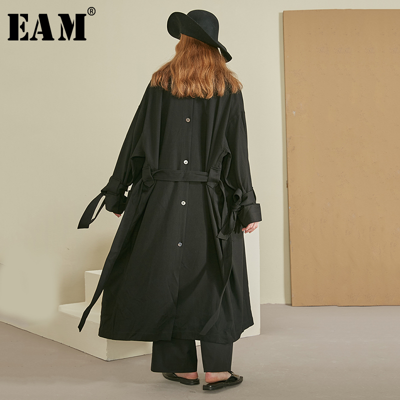 [EAM] Women Bow Bandage Big Pocket Trench New Lapel Long Sleeve Loose Fit Windbreaker Fashion Tide Autumn Winter 2019 1B177