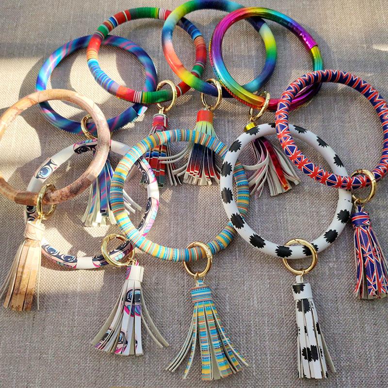 JUST FEEL 2019 New PU Leather Bracelet KeyChains Circle Cute Same Color Tassel Wristlet Keychain Wholesale Women Girls Jewelry