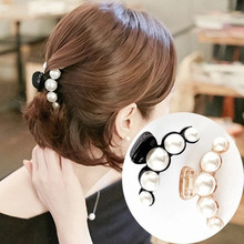 New Hot Sale  Pearls Women's Hair Clip Small Fragrance Black White Acrylic Hair Catch Simple Wild Women Hair Accessories Gift