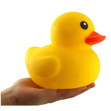 Cute Baby Bath Bathing Classic Toys Rubber Race Squeaky Ducks Yellow duck gift bath toy baby rattle children hot