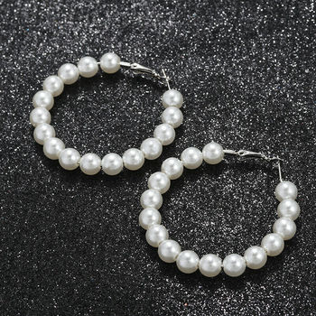 1 Pair Elegant White Pearls Statement Earrings Women Oversize Pearl Circle Ear Rings Earrings 2