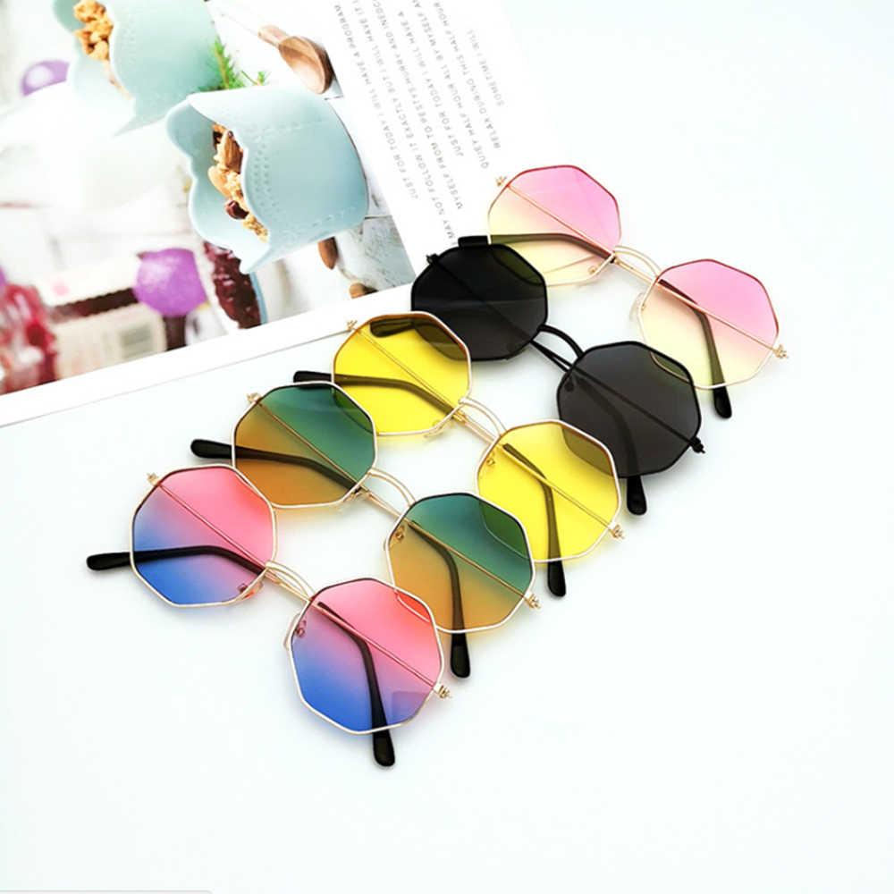 1 قطعة النساء الفتيات الموضة غير النظامية عدسة ملونة إطار معدني النظارات الشمسية النظارات النساء حملة نظارات Anti-UV400 بالجملة
