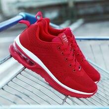 Zapatos de primavera para mujer, zapatillas de moda de color rojo y negro, coreanas, transpirables, cómodas, con cojín de malla, informales, novedad de 2021