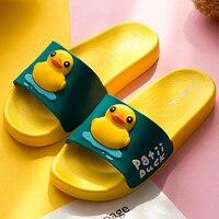 Pantoufles d'été nouveau mignon jaune canard plage diapositives femmes anti-dérapant tongs rayé Style extérieur intérieur sandales pour Couple doux