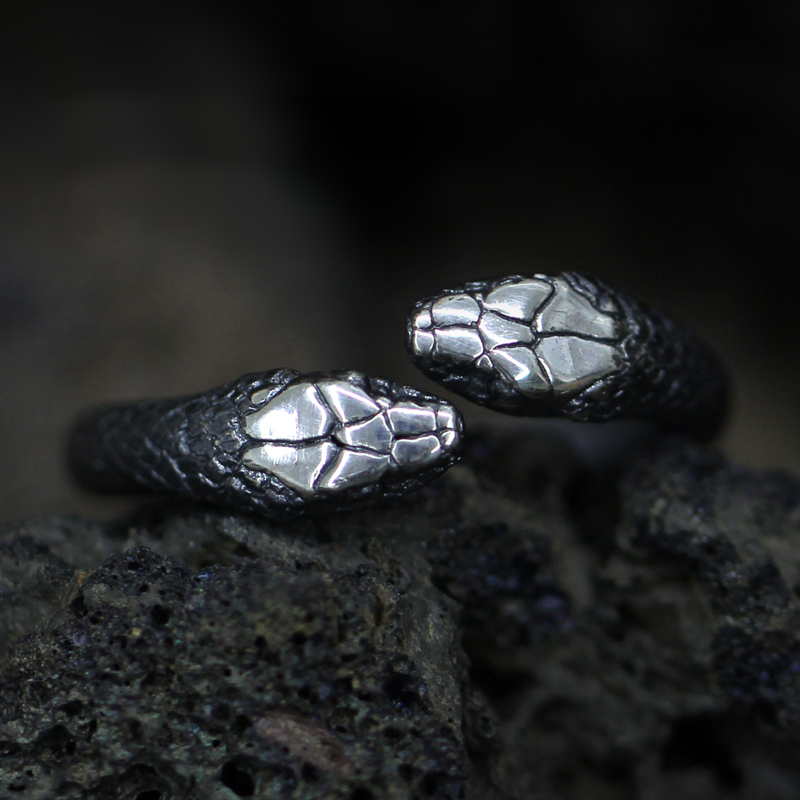 Gothic Double Snake Ring