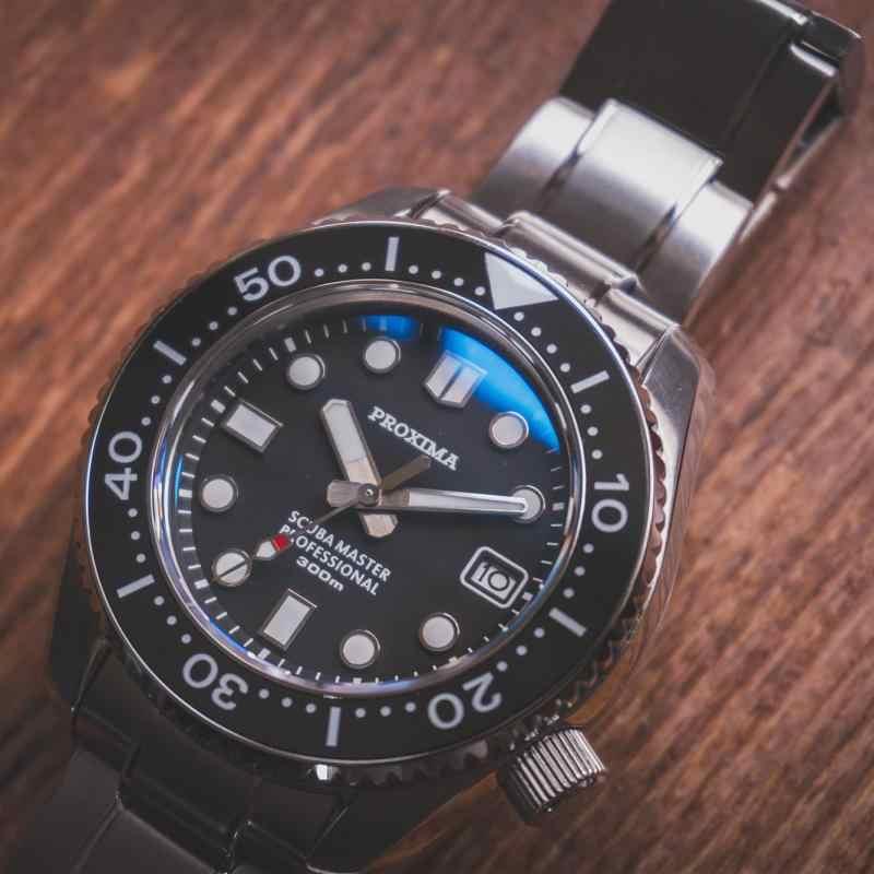 高級メンズダイビング腕時計 300 メートル防水 44 ミリメートル回転サファイアガラスステンレス鋼NH35 自動男性merchanical腕時計
