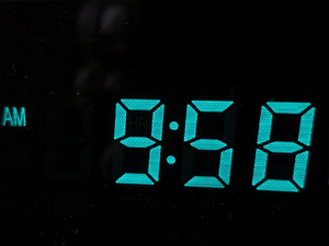 Image 4 - 12 / 24 hour High Precision VFD clock Electronic time RX8025T VFD display Hour / minute / second /day / week LED Uhr