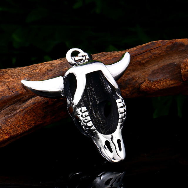 STAINLESS STEEL SKULL GOAT NECKLACE