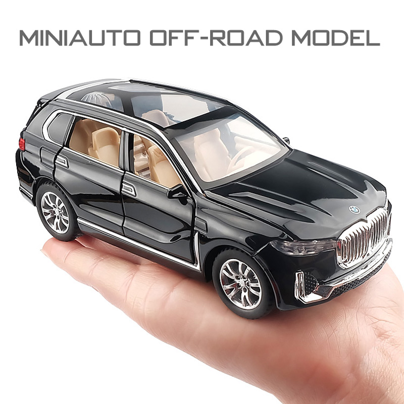 1:32  BMW-X7 Car Model Alloy Car Die Cast Toy Car Model Pull Back Children's Toy Collectibles Free Shipping