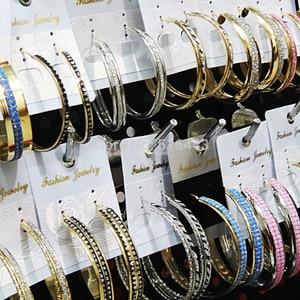 Image 4 - 믹스 스타일 12pair 패션 루프 귀걸이 서리로 덥은 실버 골드 컬러 여성을위한 큰 후프 귀걸이 여성 파티 도매 보석 많이
