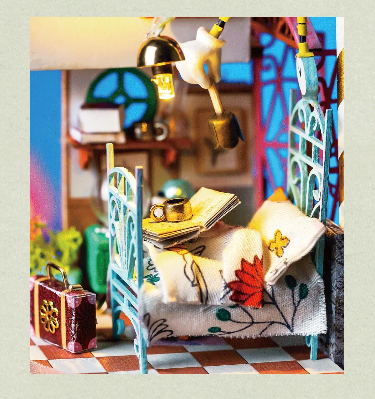 Rolife DIY Miniature Dollhouse - DS001- DS004