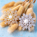 Luxury Snowflake Brooch Gold Flower Zirconia Jewelry Pearl Pins For Women Winter Theme Accessories Wedding Coat Scarf Hat Gifts