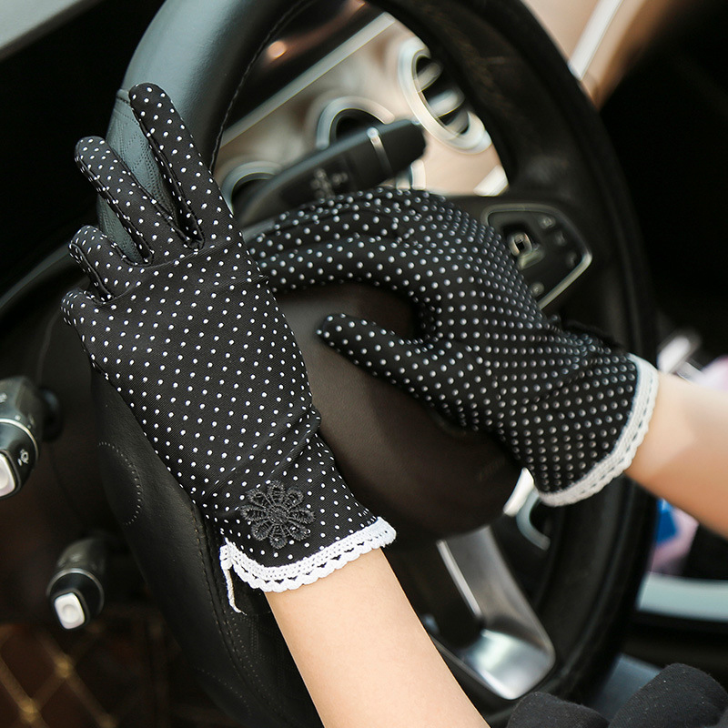 Polka Dot Elastic Etiquette Gloves Sunscreen Lady Wrist Gloves Mittens Lace Flower Protection Outdoor Driving Spandex Gloves New