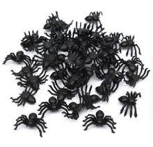 50 unids/lote Halloween decoración de Halloween Mini de plástico negro araña luminosa de broma De Cumpleaños DIY juguetes bricolaje decoración fiesta accesorios decorativos