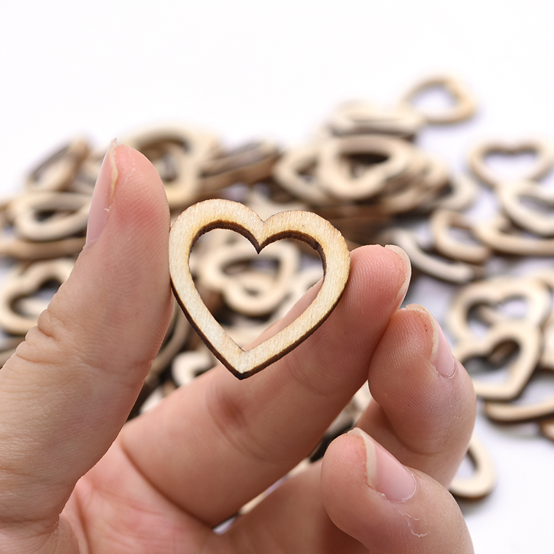 100pcs Wood Pieces Love Heart Shaped Hollow Natural Rustic Wooden Chips DIY Crafts For Wedding Engagement Valentine's Day Layout
