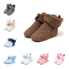 Skarpetki dla noworodków buty chłopiec dziewczyna gwiazda maluch buciki buciki bawełna komfort miękkie antypoślizgowe ciepłe łóżeczko dziecięce buty tanie tanio Korka Zima Slip-on Pasuje prawda na wymiar weź swój normalny rozmiar Połowy łydki Unisex Patch Buty śniegu Cotton Fabric
