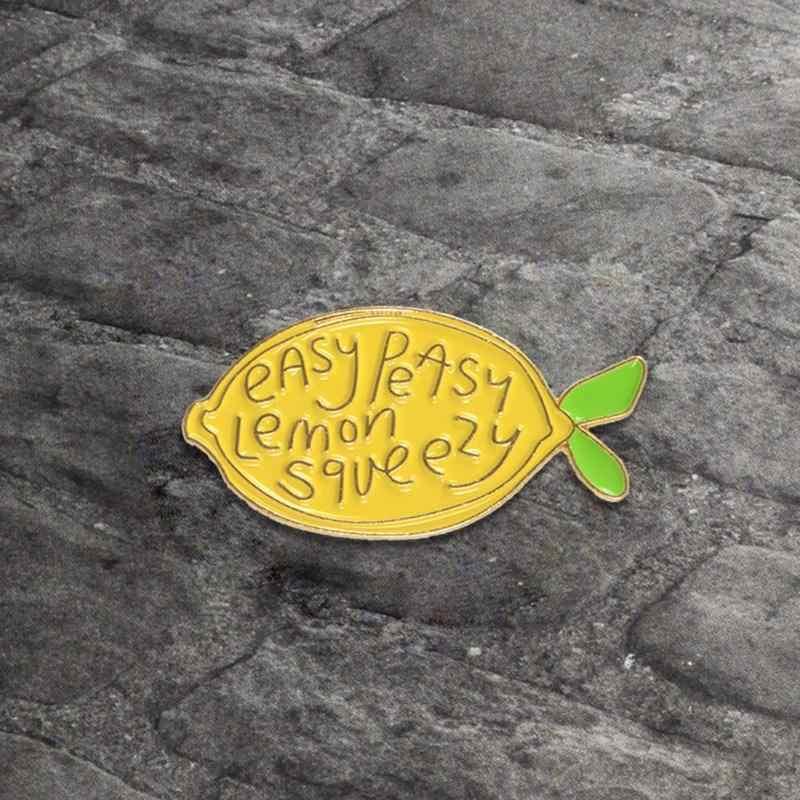Mudah Sekali Lemon Diremas Enamel Pin Kuning Lemon Buah Segar Lencana Bros Lencana Enamel Jaket Tas Dekorasi Hadiah Perhiasan