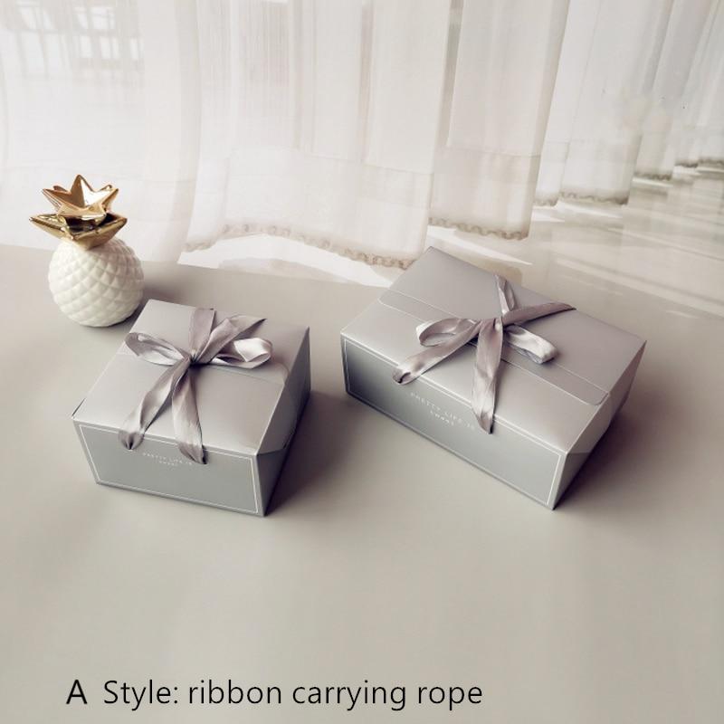 Material para embrulhos e bolsas de presente