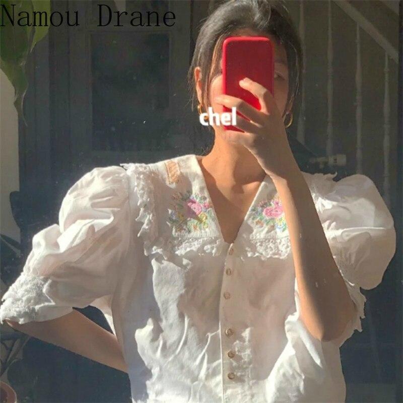 2020 Spring Summer Women Blouse Floral Embroidery Turn Down Collar Shirt Puff Short Sleeve Korean Sweet Blusa Top