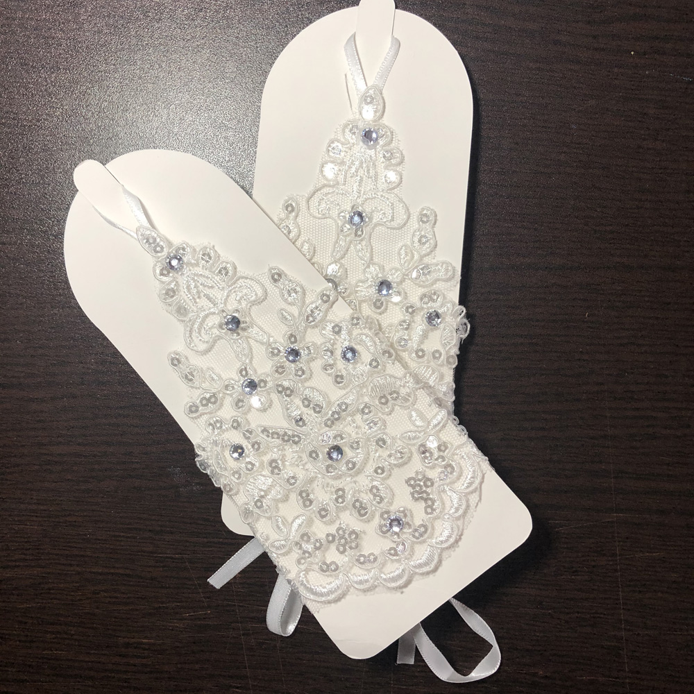 NEW Store Promotion!!! Real Pictures Ivory Bridal Gloves Floral Applique With Beaded Sequins Short Bridal Gloves