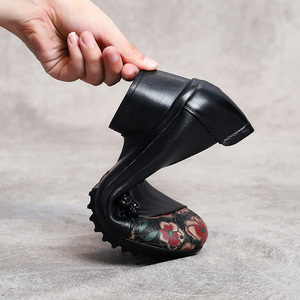 Image 5 - GKTINOO escarpins en cuir véritable pour femmes, chaussures de Style National, bout rond, impression de fleurs, printemps automne, à talon épais, grande taille 41