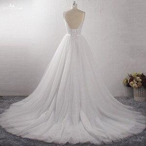 Image 2 - LZ400 Shiny Parels Kleine Bloemen Trouwjurk V hals Mouwloos A lijn Bridal Jurk Met Sluier Vestido De Noiva