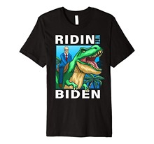 Montado con Biden Joe Biden en dinosaurio T-Rex camiseta Premium