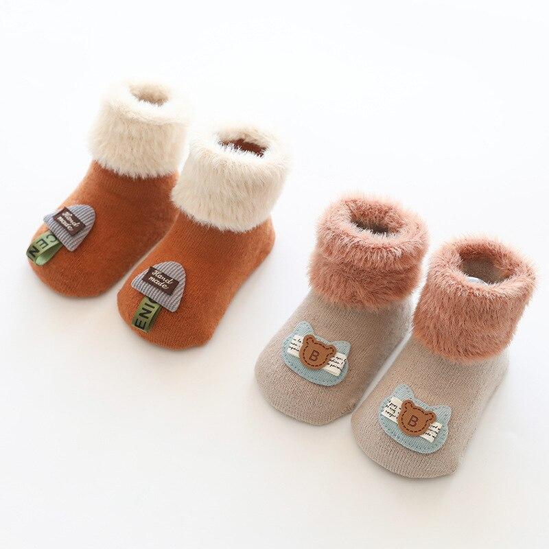 Calcetines gruesos de invierno para bebés, antideslizantes, suaves, accesorios cálidos, 2 pares