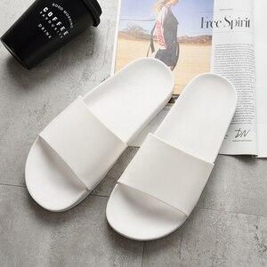 Image 4 - שחור נעלי בית שחור ולבן נעלי החלקה שקופיות אמבטיה קיץ מקרית סגנון רך בלעדי כפכפים
