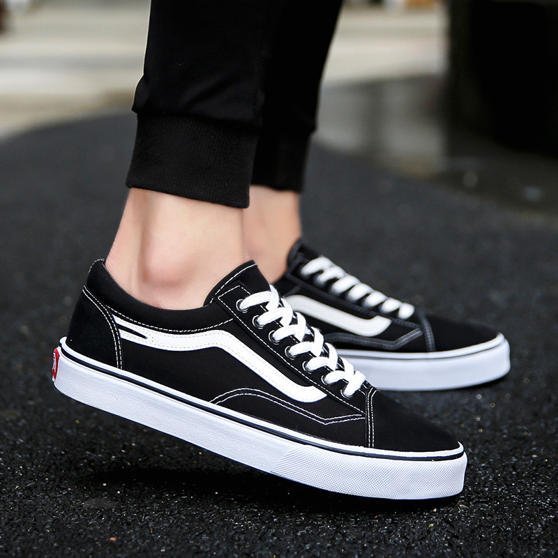 2020 New Brand Fashion Canvas Men Shoes Cool Solid High Quality Men Tennis Sneakers Classic Walking Man Flats