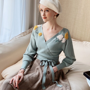 Image 5 - Dabuwawa Elegant Appliques V Neck Sweater Women Lantern Sleeve Sash Hem Tops Fashion Pullovers Sweaters Female DT1DJS017