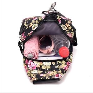 Image 3 - 送料無料 2019 新印刷女性ウエストバッグパックベルトバッグ旅行ウエストパック女性女の子防水電話バッグ