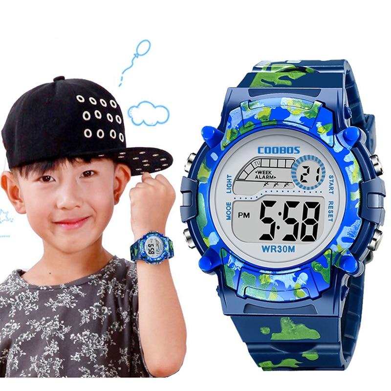 Navy Blau Camouflage Kinder Uhren LED Bunte Flash Digital Wasserdicht Alarm Für Jungen Mädchen Datum Woche Kreative kinder Uhr