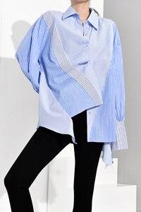 Image 3 - [EAM] Donne A Strisce Blu Asimmetrico di Grandi Dimensioni Camicetta Nuovo Risvolto Manica Lunga Loose Fit Camicia di Modo di Autunno della Molla 2020 JZ6870