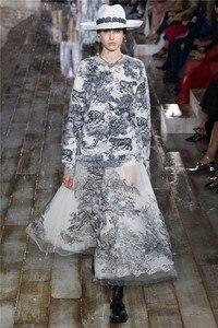Image 5 - 新しいivchunオートクチュールガウンライオン動物刺繍ネット糸シルク裏地スカート