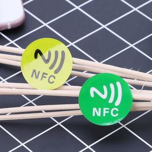 Waterproof PET Material NFC Stickers Smart Adhesive Ntag213 Tags For All Phones B85B