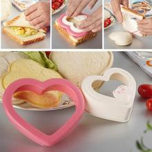 1PC Heart Shape Sanwich Cutter Plastic Bread Toast Making Molds Toast Cutter Sandwiches Maker automobile cheap plastic injection molds making