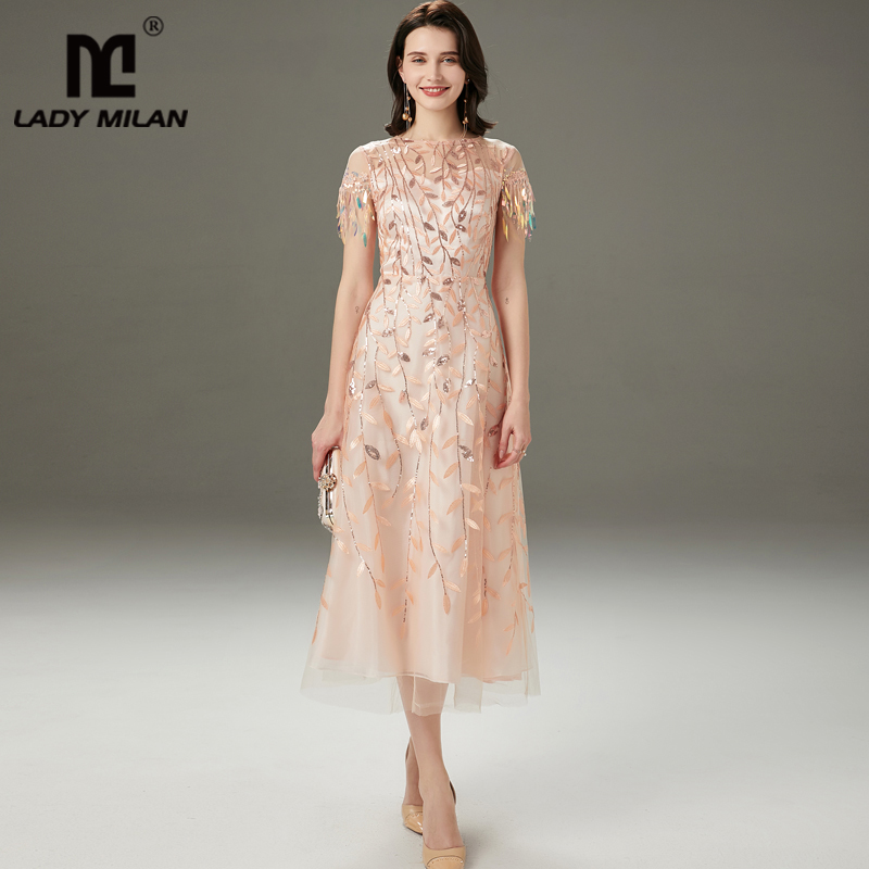 Women's Runway Dresses O Neck Short Sleeves Embroidery Beaded Layered Fashion Mid Calf Dresses