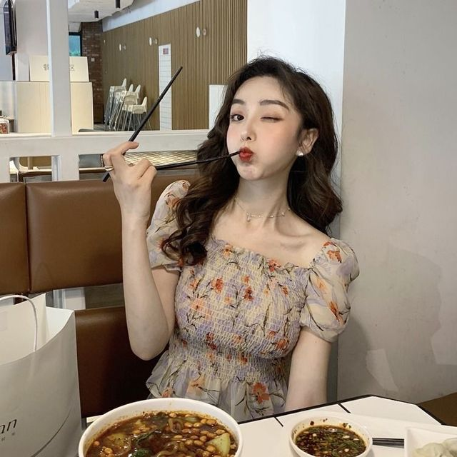 Sexy Cute Off Shoulder Slim Fashion Folds Shirts Short Sleeve Blouse 2020 Summer Women Short Crop Tops Blouses Korean Clothes 6