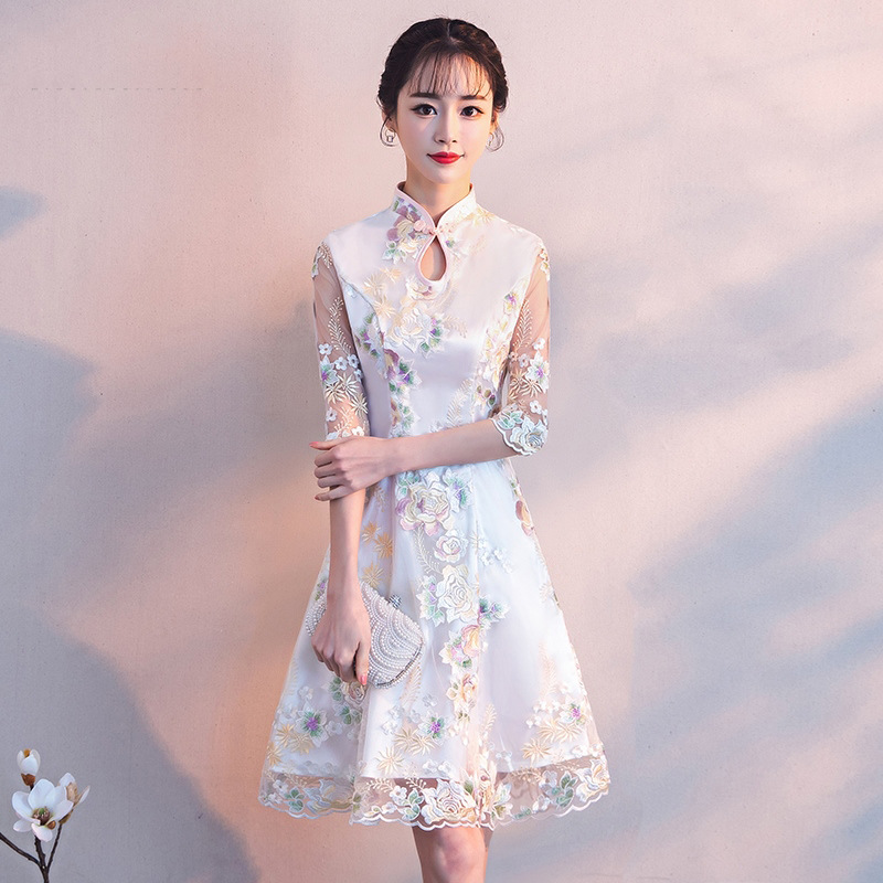 Modified Cheongsam Little Fragrant Dress 2020 New Winter Short Girl Dignified, Elegant, Lace Thin And Retro  Sleeveless Dresses