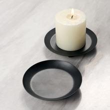 Подсвечники из черного металла для настольных свечей в форме