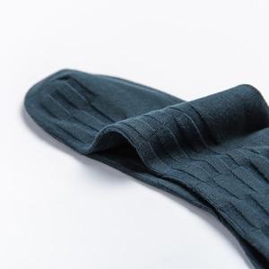 Image 1 - الجوارب الأصلي جديد نمط رجل فستان الجوارب سعيد الرجال جوارب عمل العلامة التجارية الجديدة الذكور الشتاء الجوارب الدافئة 5 زوج/وحدة